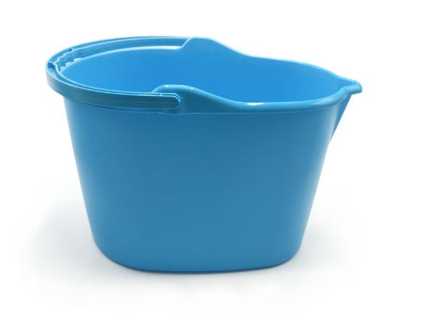 914B | Balde Oval c/ Bico (15L) | Azul